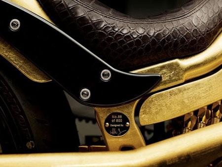 Chiêm ngưỡng xe máy mạ vàng đắt ngang du thuyền hạng sang 5