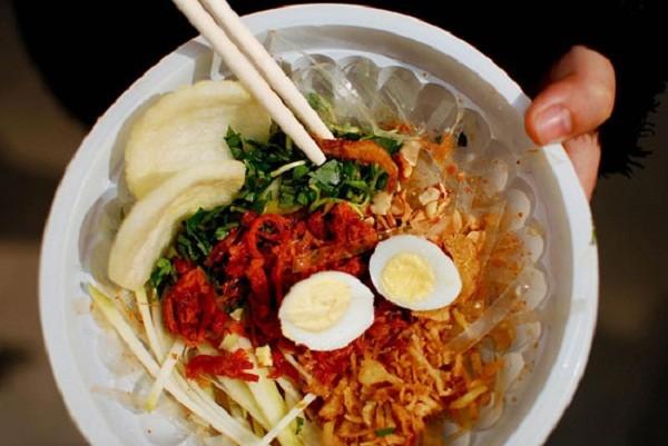 Các món trộn ngon tuyệt giá dưới 30.000 đồng tại Hà Nội 12
