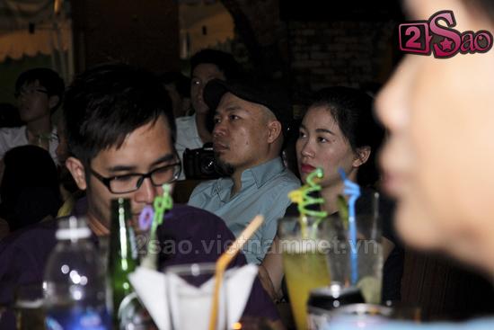 Huy Tuấn đưa vợ trẻ xinh đẹp đi nghe nhạc 1