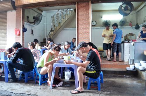 Những quán ăn đắt vẫn đông khách ở Hà Nội 3