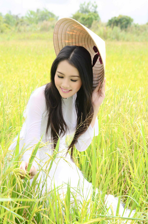 """Những cô vợ """"Hoa hậu"""" nổi tiếng của sao nam Việt 2"""