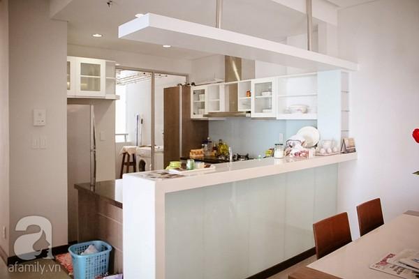 Ngắm căn hộ sang trọng với nội thất tông trầm ở TP Hồ Chí Minh 9