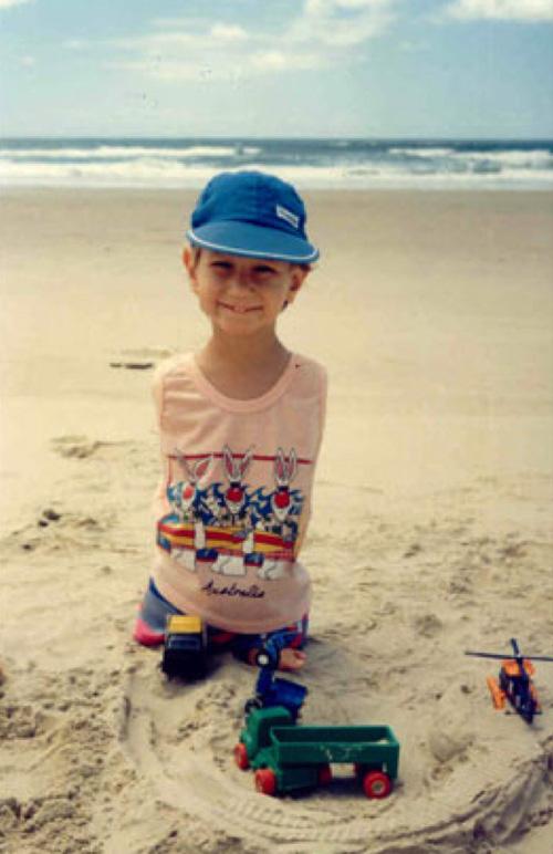 Ảnh thời thơ ấu của chàng trai kỳ diệu nhất hành tinh 7