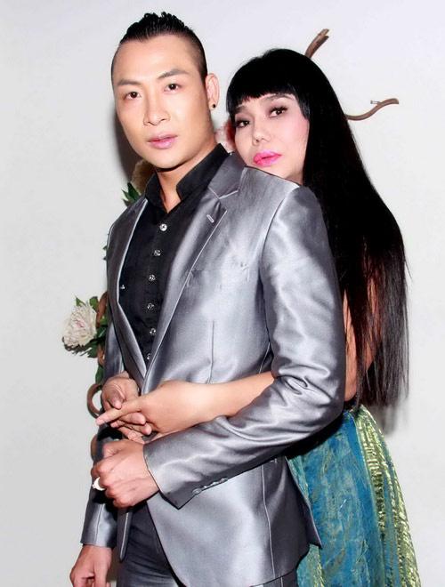 Hoảng hồn cảnh Cindy Thái Tài áp má Don Nguyễn vào bộ ngực đồ sộ 15