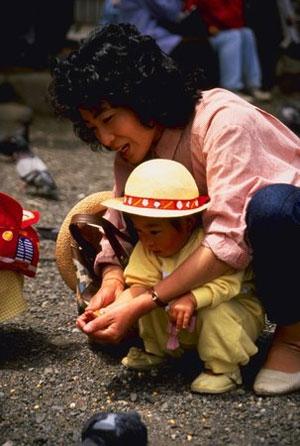 Chuyện nuôi con ở Nhật của mẹ Tây 3