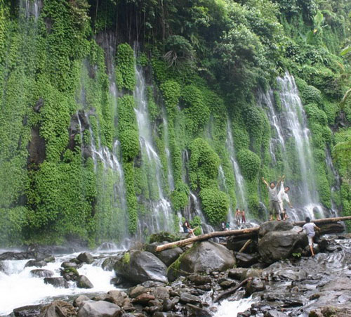 """Những thác nước """"kỳ lạ"""" nhất thế giới 5"""