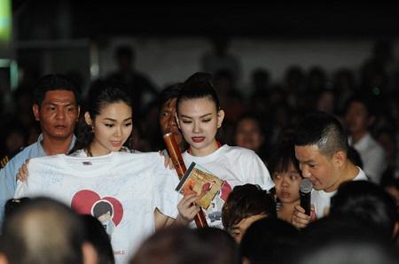 Sao Việt chứng tỏ sức ảnh hưởng bằng đấu giá từ thiện 9