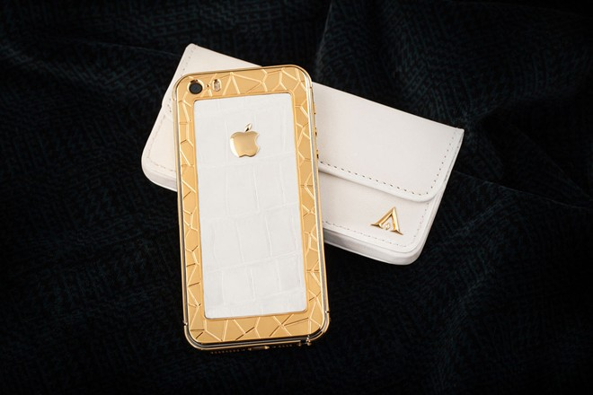 iPhone 5S mạ vàng bọc da cá sấu giá 35 triệu ở VN 7