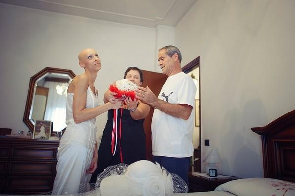 Cô dâu bị ung thư đẹp ngỡ ngàng trong ngày cưới 4