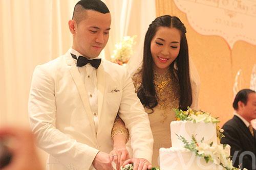 Cận cảnh đám cưới cổ tích của Á hậu Thùy Trang 6