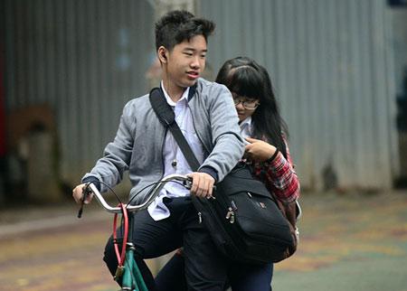 Người Hà Nội ngày đầu mặc áo rét 3