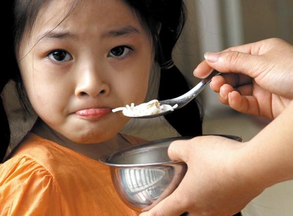 5 nguyên nhân hàng đầu khiến con biếng ăn 1