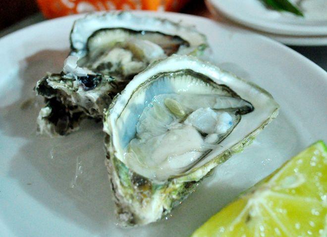 Quán hải sản ngon rẻ hiếm thấy khu phố cổ 9