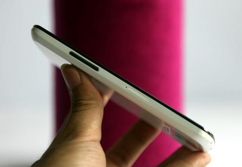 Nexus 4 màu trắng về Việt Nam giá 9,8 triệu đồng 3