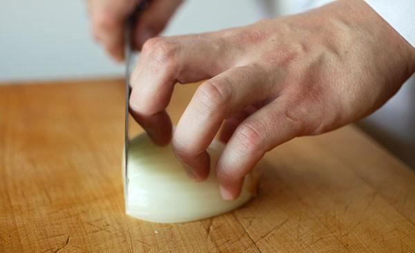 Mẹo cắt thực phẩm nhanh nhất bạn không thể bỏ qua 5