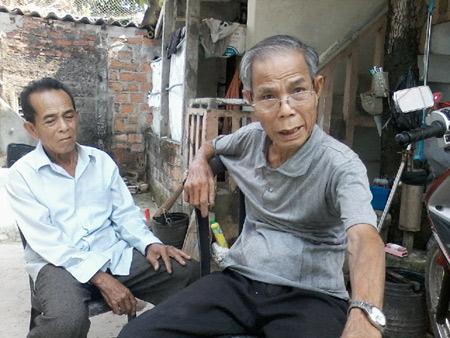 Ông cụ 81 tuổi làm mộ trên mái nhà để chôn hài cốt cha ruột 1