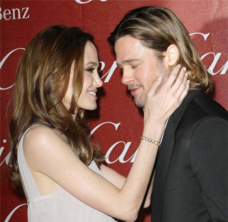 """Đấu giá """"hình ảnh"""" Angelina ngực trần sau phẫu thuật 3"""