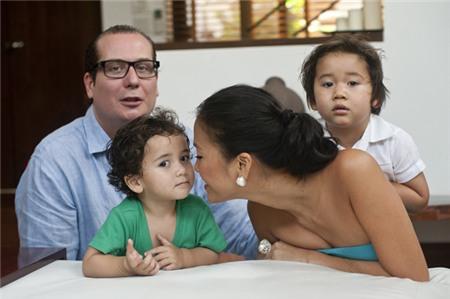 Bằng Lăng hạnh phúc bên chồng con ở Thái Lan 2