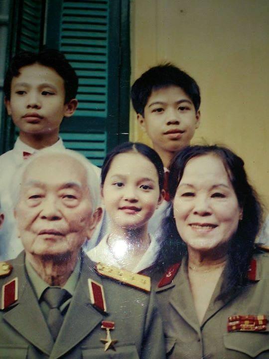 Nghệ sĩ Việt cảm động chia sẻ ảnh và kỷ niệm bên Đại tướng 1