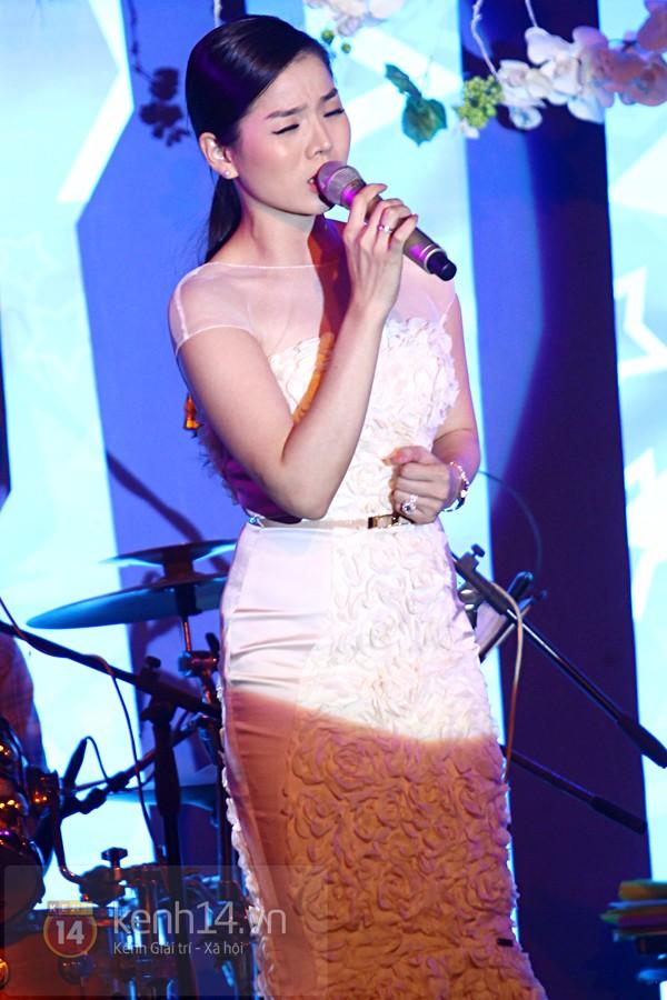 Hà Hồ làm show ủng hộ miền Trung 650 triệu đồng 9