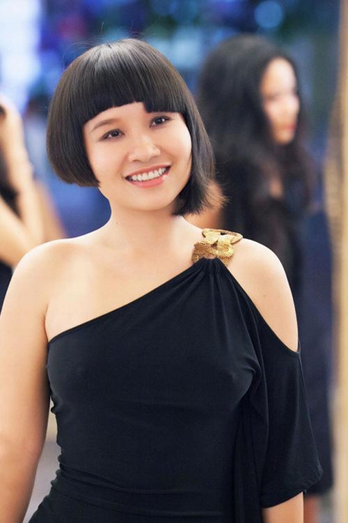 Sao Việt 'hứng đá' vì chạy theo mốt thời trang phản cảm 12