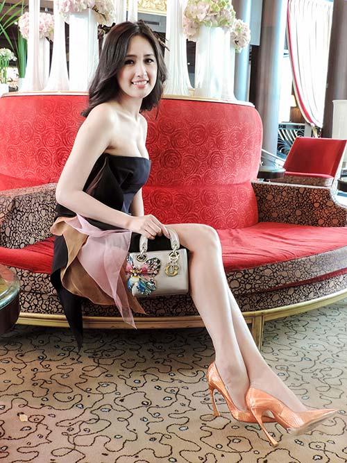 Soi thời trang hàng hiệu trong tháng của sao Việt 1