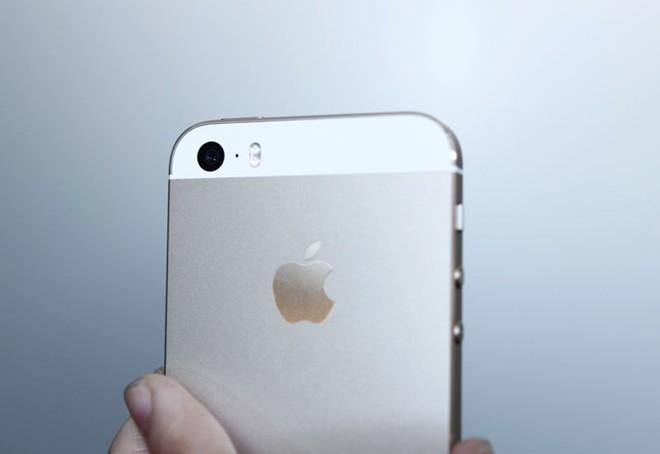 Mở hộp iPhone 5S vừa về Việt Nam 11