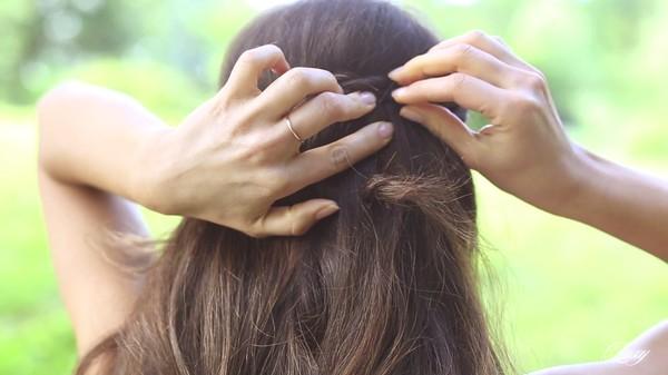 Tự thực hiện 3 kiểu tóc dịu dàng cho mùa thu 25
