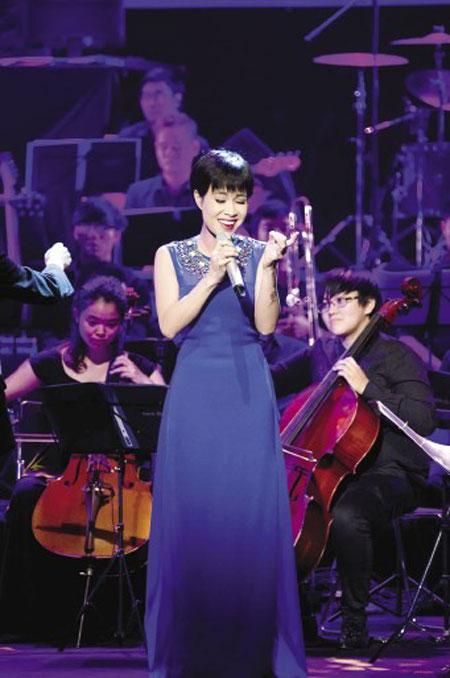 """Uyên Linh: """"Tôi khó quay lại đỉnh thời Vietnam Idol"""" 2"""