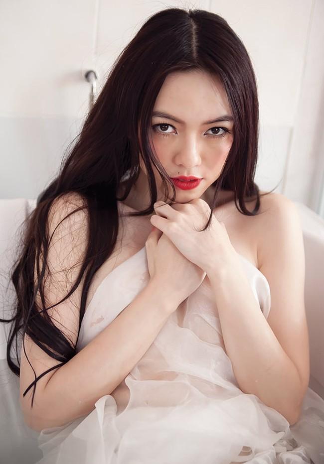 4 người đẹp Việt bị ném đá vì quá 'nổ' về nhan sắc 8
