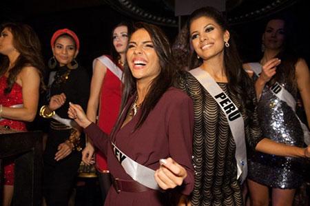 Trương Thị May bị cảm lạnh và sốt cao tại Miss Universe 17
