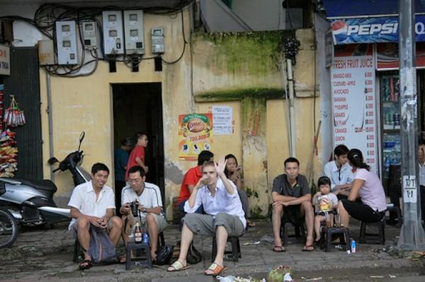 Những khu cafe vỉa hè nổi tiếng nhất Hà Nội 8