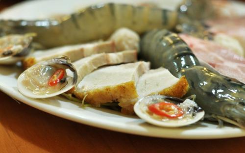 Lẩu mắm hải sản thơm nức mũi phố Phan Chu Trinh 3