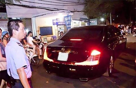 Bộ sưu tập siêu xe của các nữ đại gia Việt 17