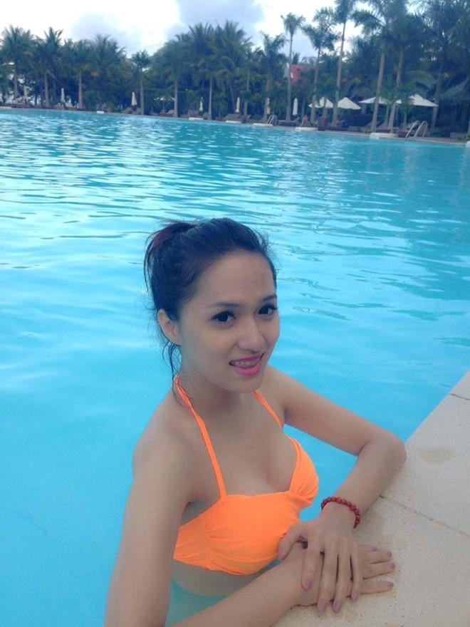 Hương Giang Idol khoe thân hình nóng bỏng với bikini 4