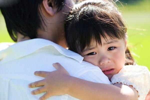 """Sự nhẫn tâm của những bà mẹ dạy con bằng cách """"bôi nhọ"""" 1"""