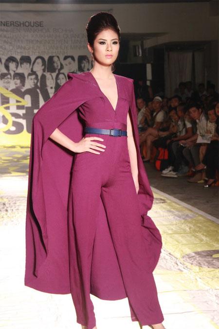 Ngọc Hân mặc trang phục lộ vùng ''tam giác'' 7