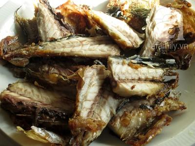 Cơm ngon với món cá chiên mắm tỏi 8
