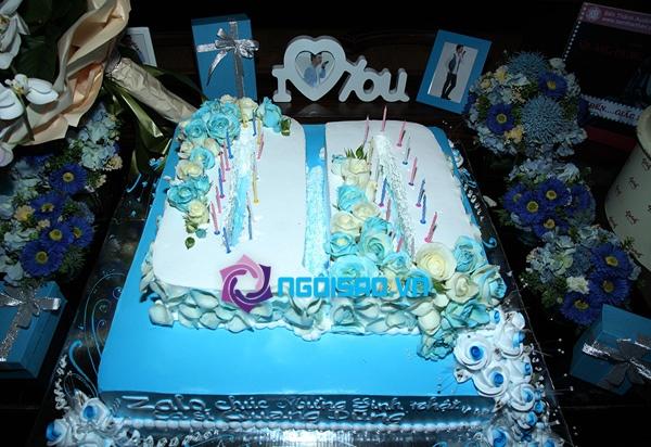 Mẹ Quang Dũng lần đầu xuất hiện trong tiệc sinh nhật sớm của anh 4