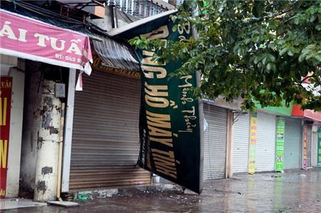 Hà Nội xáo trộn vì bão Haiyan 7
