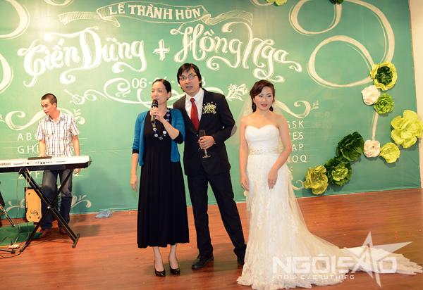 GS Xoay song ca cùng vợ trong đám cưới 7