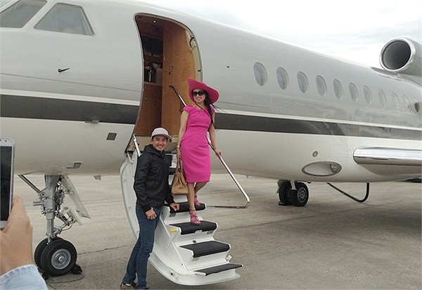 Cuộc sống giàu có của em gái Cẩm Ly, người Việt giàu nhất thế giới 7