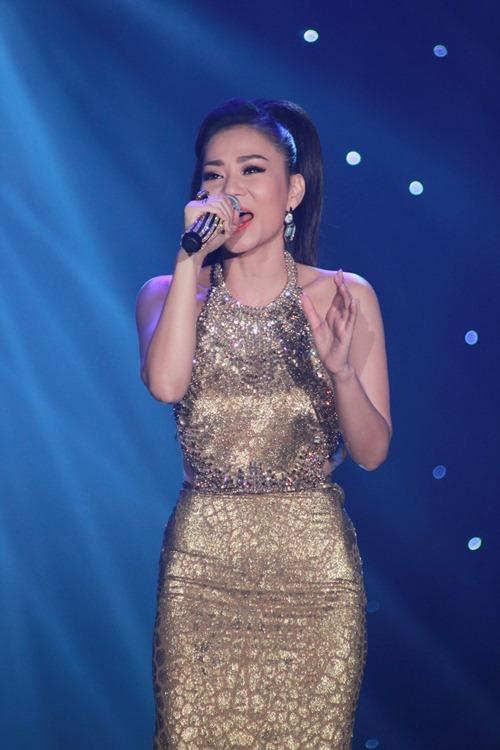 """Lông mày ngang """"đắt giá"""" showbiz Việt 12"""