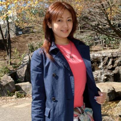 Ngắm vẻ đẹp hoàn hảo của nữ tỷ phú trẻ nhất Trung Quốc 5