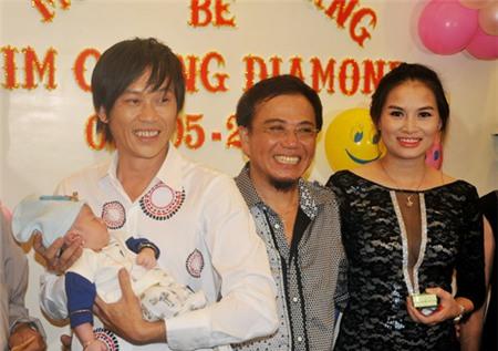 Hoài Linh nhận con gái Hồng Tơ làm con nuôi 1