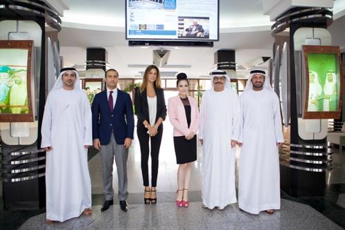 Lý Nhã Kỳ thanh lịch khi làm việc với nhiều trường đại học ở Dubai 11