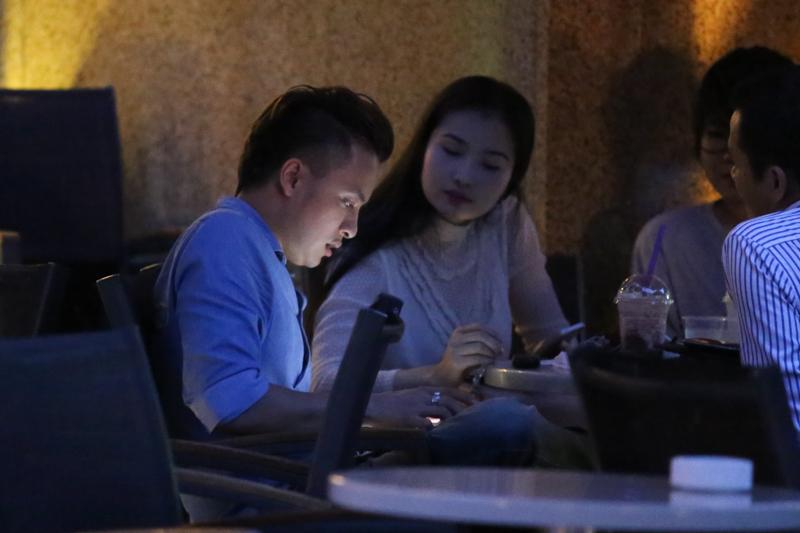 Cao Thái Sơn hẹn hò bạn gái sau nghi án gạ tình hot boy 3