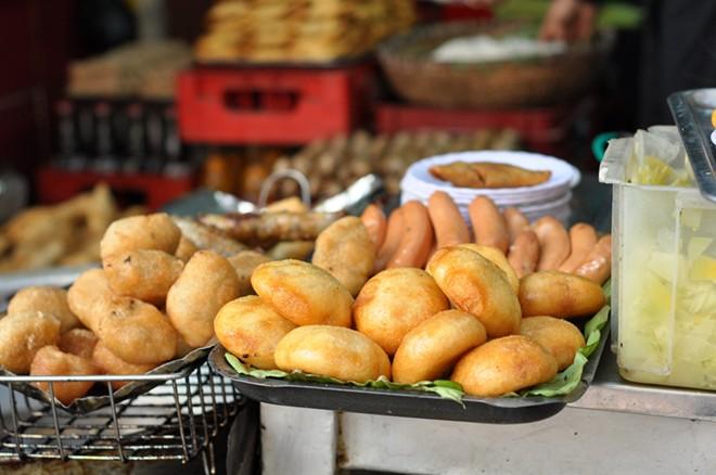 4 quán bánh rán 'trứ danh' ở Hà Nội 1