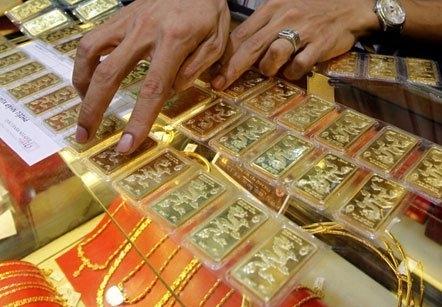 """Giá vàng """"rớt"""" xuống đáy, về sát ngưỡng 38 triệu đồng/lượng 1"""