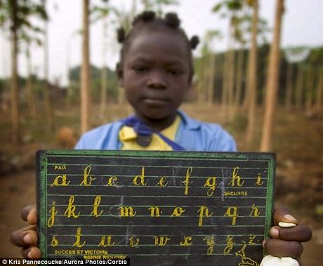"""Man rợ hủ tục """"là ngực"""" phụ nữ ở Cameroon 1"""